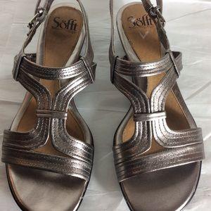 Sofft Gold Sandals SZ 8